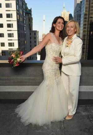 Julia Lemigova and tennis great Martina Navratilova on their wedding day.